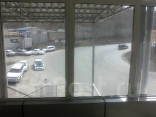 Сдается торговое помещение 265 м. кв. 265 кв.м., улица Стрелочная 17б, р-н Баляева. Вид из окна