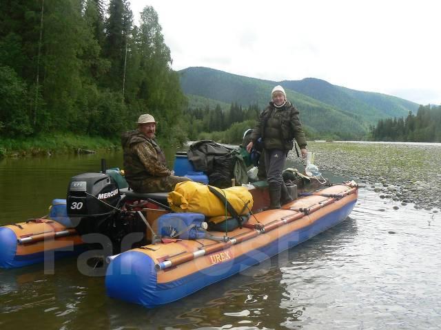 подвесной мотор на катамаране