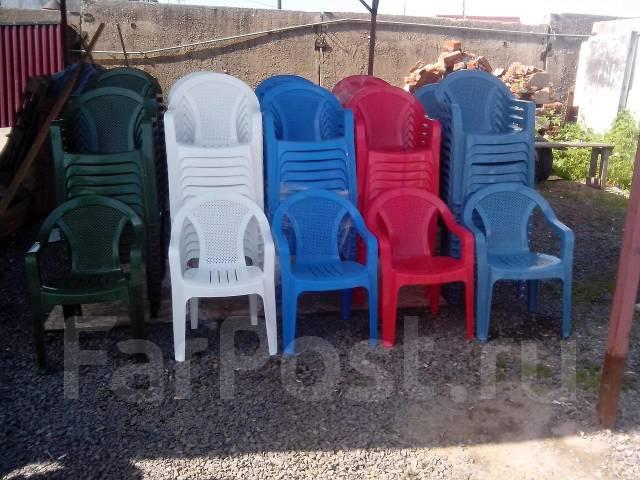 Столы и стулья для летнего кафе пластмассовые