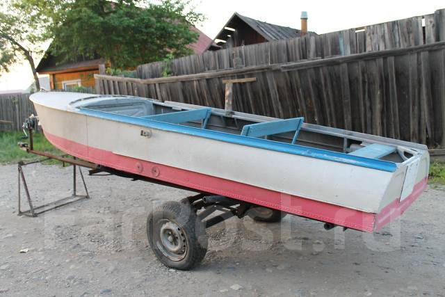самодельная моторная лодка на прицепе