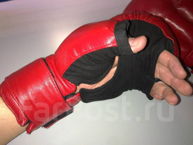 перчатки для рукопашного боя фото