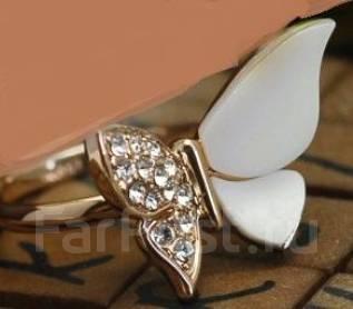 Элитная Бижутерия Кольцо с фианитами розовое золото18К Swarovski