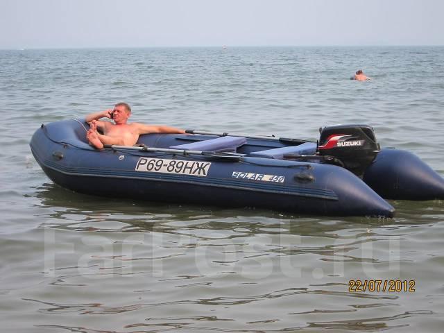 какую скорость развивает моторная лодка