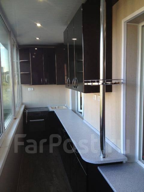 Отделка балконов и лоджий встроенная мебель..