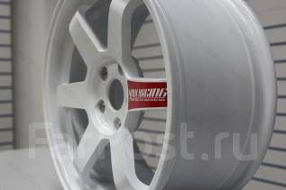 RAYS VOLK RACING. 8.0x17 ET37 114.30x5