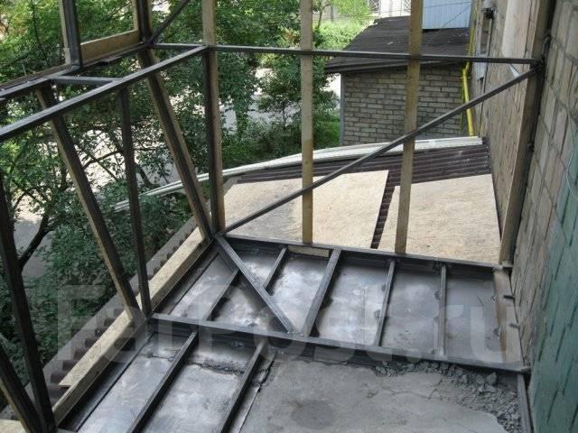Укрепление ограждения на смежном балконе сталинский дом..