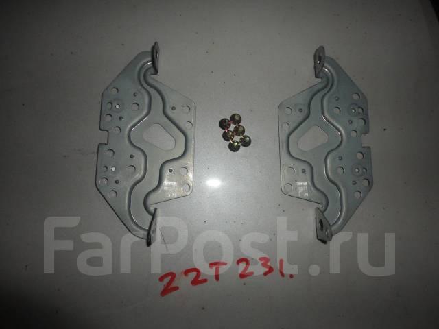 Крепление магнитолы Toyota Celica ZZT230 ZZT231 с болтами. Toyota Celica, ZZT231, ZZT230