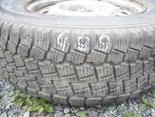 Продам одно хорошее зимнее колесо215/65R-14 с диском. x14 5x100.00