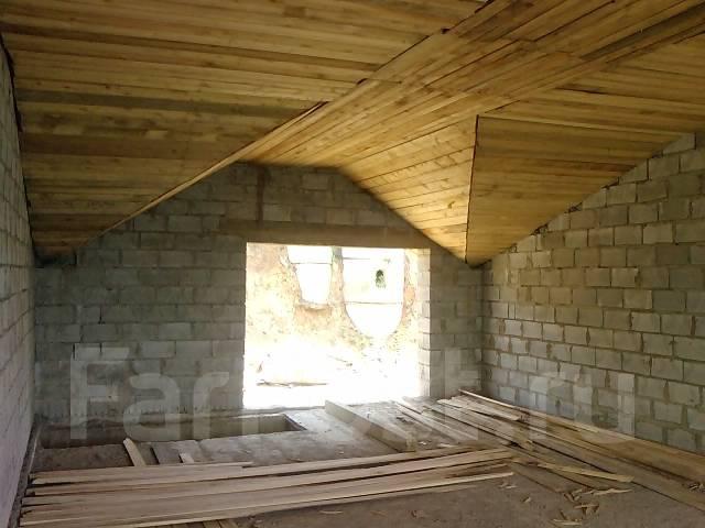лодочный гараж большой камень