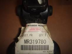 Кронштейн опоры двигателя. Mitsubishi Pajero iO, H77W, H76W, H66W, H67W Двигатель 4G93 GDI