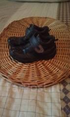 Лот обуви на мальчика. 28