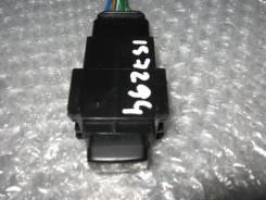 Кнопка включения аварийной сигнализации. Toyota Cresta, JZX90, GX90