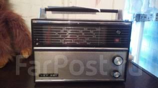 Радиоприемник старинный. Оригинал