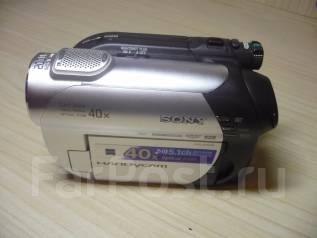 Sony DCR-DVD109E. Менее 4-х Мп, с объективом