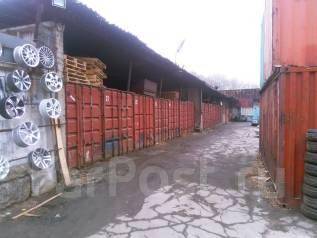 Сдаются 20-футовые контейнеры под склад на охраняемой территории. 18 кв.м., улица Стрелочная 2а стр. 7, р-н Баляева. Дом снаружи