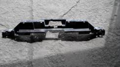 Кронштейн решетки радиатора. Cadillac Escalade