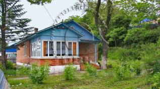 Очень симпатичный домик у моря ждет Вас! Славянка в Хасанском районе. Набережная 14, р-н п. Славянка, площадь дома 53 кв.м., электричество 15 кВт, от...