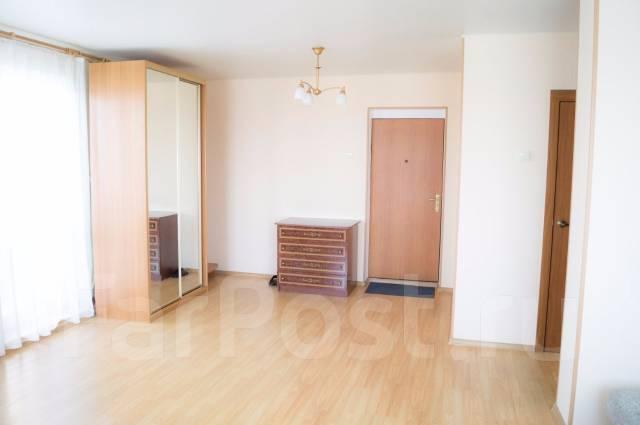 2-комнатная, улица Аллилуева 12а. Третья рабочая, 60 кв.м. Прихожая