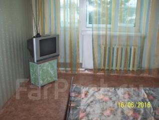 2-комнатная, улица Октябрьская 28А. 1-й школы, агентство, 48 кв.м. Комната