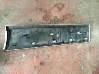 Накладка на боковую дверь. Audi Q7