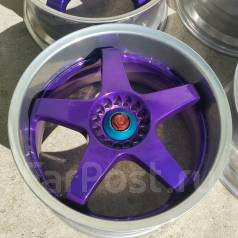 Sparco. 8.5/9.5x18, 5x114.30, ET45/45, ЦО 73,0мм.