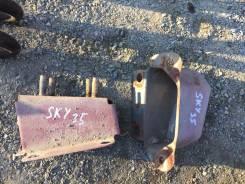 Кронштейн усилителя бампера. Nissan Skyline, V35