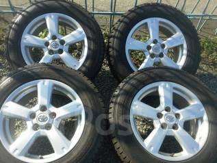 Комплект зимних колес 225/65R17 Dunlop на дисках Toyota. 7.0x17 5x114.30 ET45 ЦО 60,0мм.