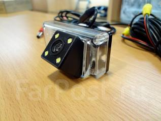Штатная камера заднего хода Toyota Land Cruiser-200. Угол обзора 170 гр
