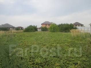 Продам участок 10,5 сот. в Новознаменском. 1 050 кв.м., собственность, электричество, вода, от агентства недвижимости (посредник)