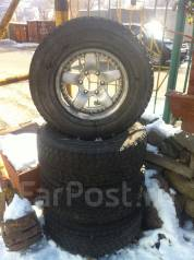 Bridgestone Winter Dueler 265/70R16. x16
