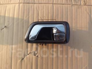 Ручка двери внутренняя. Mitsubishi Chariot Grandis, N94W Двигатель 4G64