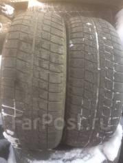 Bridgestone Blizzak Revo. Зимние, без шипов, 2012 год, износ: 50%, 2 шт