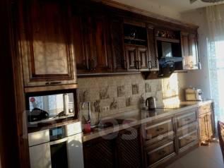 Продам хороший дом в центре города. Улица Врубеля 4, р-н Пентагон, площадь дома 185 кв.м., централизованный водопровод, электричество 30 кВт, отоплен...