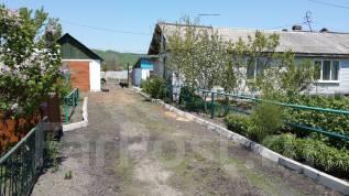 Продам дом с услугами в с. Борисовка в Уссурийске. Строительная, р-н с. Борисовка, площадь дома 80 кв.м., скважина, электричество 15 кВт, отопление э...