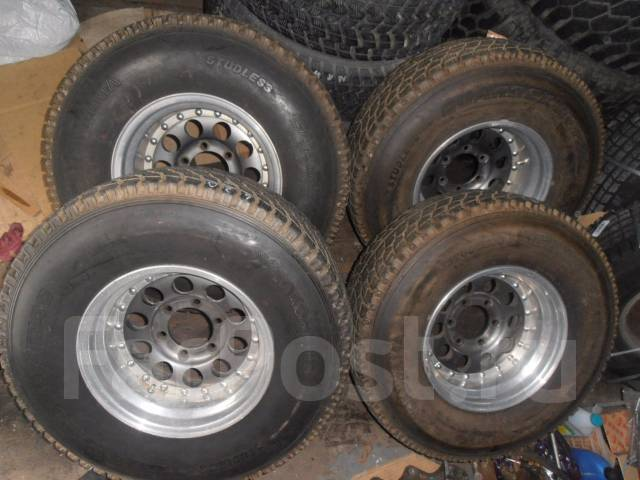 Продам комплект колес. 8.0x15 6x139.70 ET-28 ЦО 108,0мм.