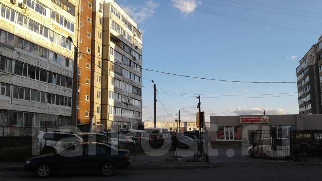 1-комнатная, улица Ладыгина 9. 64, 71 микрорайоны, частное лицо, 36 кв.м. Дом снаружи