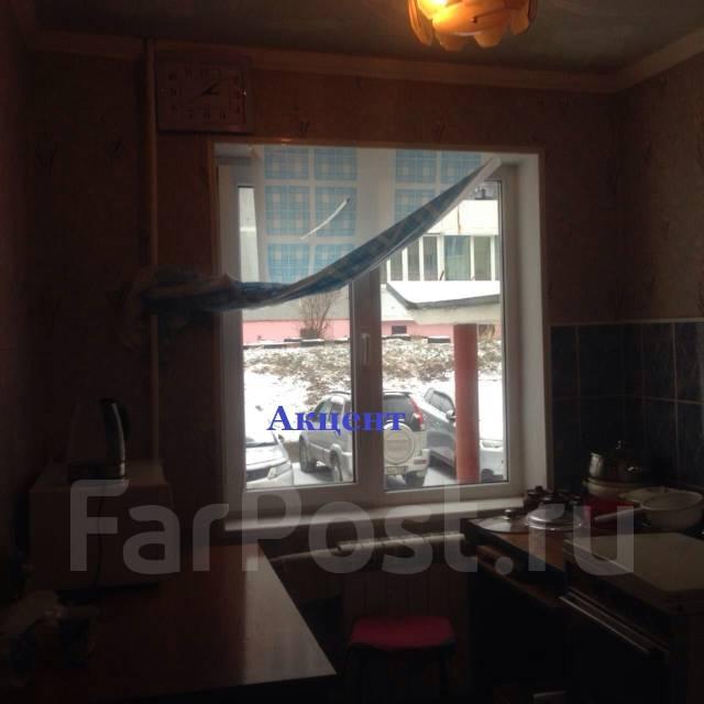 2-комнатная, улица Адмирала Угрюмова 3. Пригород, агентство, 48 кв.м. Кухня