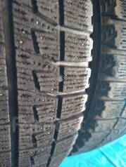 Bridgestone Blizzak Revo2. Зимние, без шипов, 2007 год, износ: 40%, 2 шт