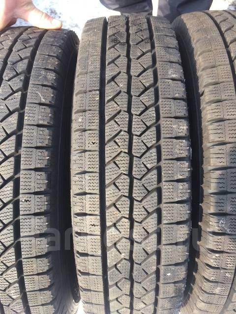 Bridgestone. Всесезонные, 2015 год, износ: 5%, 4 шт