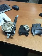 Мотор заслонки отопителя. Toyota Land Cruiser Prado
