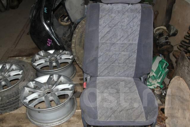 Сиденье. Toyota Land Cruiser Prado, KZJ95 Двигатель 1KZT