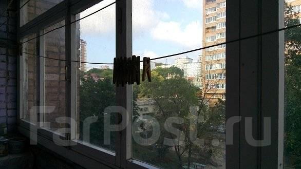 2-комнатная, улица Русская 64. Вторая речка, частное лицо, 52 кв.м.