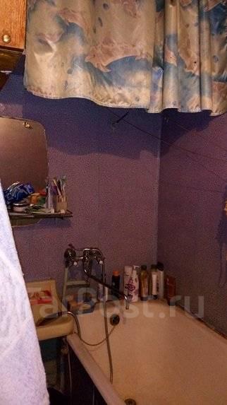 2-комнатная, улица Русская 64. Вторая речка, частное лицо, 52 кв.м. Сан. узел