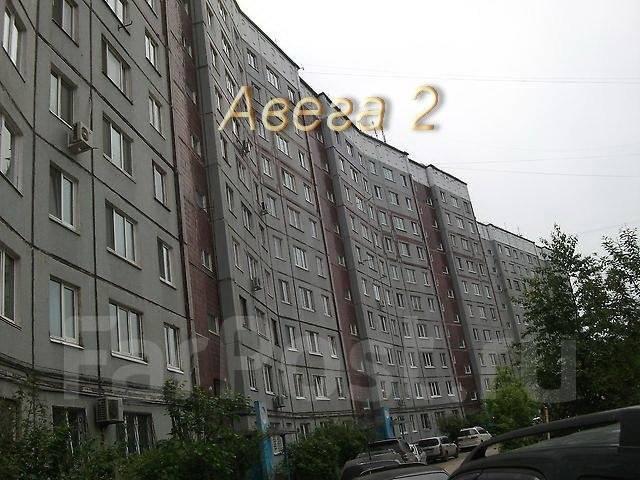 2-комнатная, улица Ладыгина 11. 64, 71 микрорайоны, проверенное агентство, 51 кв.м. Дом снаружи