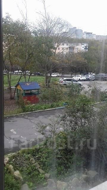 Сдаётся в аренду кабинет маникюра, педикюра во Владивостоке. Улица Сахалинская 36, р-н Тихая, 10 кв.м., цена указана за все помещение в месяц. Вид из...