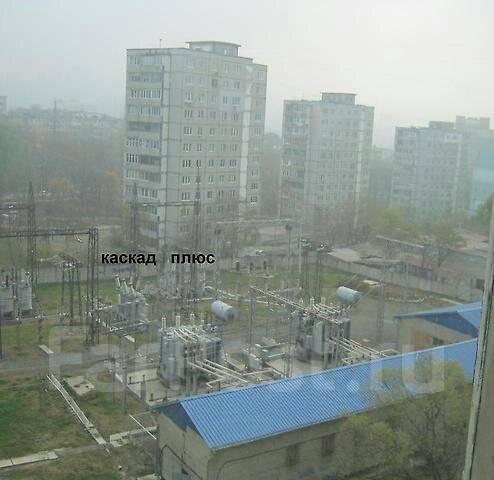 2-комнатная, улица Кирова 17. Вторая речка, агентство, 46 кв.м. Вид из окна днем