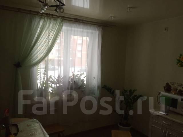 2-комнатная, улица Краснореченская 157а. Индустриальный, частное лицо, 47 кв.м. Кухня