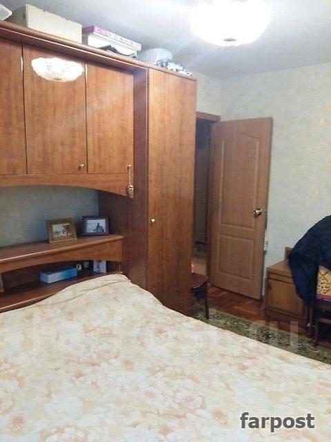 3-комнатная, улица Шепеткова 31/1. Луговая, агентство, 57 кв.м. Вторая фотография комнаты