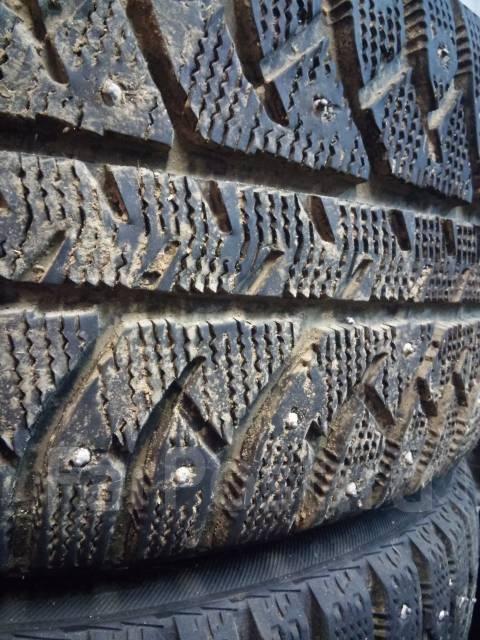 Bridgestone Ice Cruiser 7000. Зимние, шипованные, 2010 год, износ: 20%, 4 шт