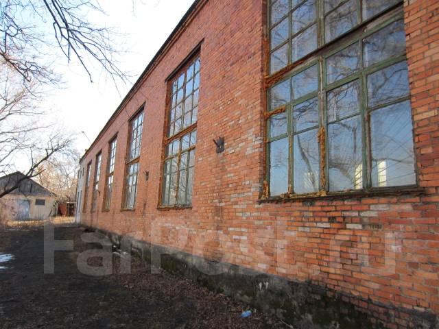 Производственное здание, отдельно стоящее на охраняемой территории. 2 000 кв.м., улица Калинина 244, р-н Чуркин. Дом снаружи